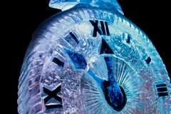 Año Nuevo de la nieve del reloj Imagenes de archivo