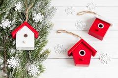 Año Nuevo de las decoraciones de la Navidad en la opinión superior del fondo de madera Foto de archivo