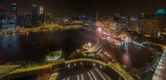Año Nuevo de Marina Bay /Lunar de los fuegos artificiales Fotos de archivo libres de regalías