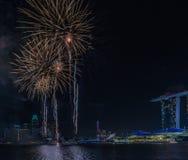 Año Nuevo de Marina Bay /Lunar de los fuegos artificiales/Año Nuevo Foto de archivo libre de regalías
