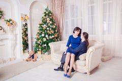 Año Nuevo del hombre y de la mujer Fotografía de archivo libre de regalías