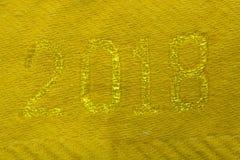Año Nuevo dos miles y dieciocho en letras de madera de oro en el fondo de madera 2018 Foto de archivo