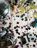 Año Nuevo: El mirar abajo la tabla del partido para NYE Imagen de archivo