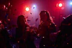 Año Nuevo en club nocturno Fotos de archivo libres de regalías