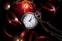 Año Nuevo fijado con las chucherías rojas Fotos de archivo libres de regalías