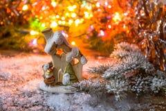 Año Nuevo, fondo de la Navidad Decoración de Navidad en la nieve Imagen de archivo libre de regalías