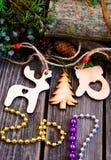 Año Nuevo 2017, juguetes de madera en fondo Imágenes de archivo libres de regalías