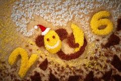 Año Nuevo 2016 Navidad Mono divertido con el plátano Foto de archivo libre de regalías