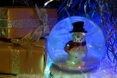 Año Nuevo Postal de los posts Muñeco de nieve Imagen de archivo