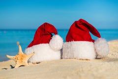 Año Nuevo romántico en el mar Vacaciones de la Navidad Imagenes de archivo