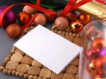 Año Nuevo, tarjeta de la invitación de la Navidad con las bolas Fotografía de archivo