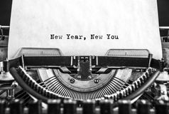 Año Nuevo nuevo usted mensaje mecanografió en una máquina de escribir del vintage Fotos de archivo libres de regalías