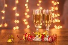 Año Nuevo, vidrios del champán, horizontales Imagen de archivo
