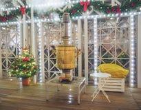 Año Nuevo y ferias y decoraciones de la Navidad en las calles de Moscú Foto de archivo libre de regalías