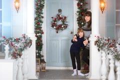 Año Nuevo y la Navidad que esperan de la familia para Foto de archivo