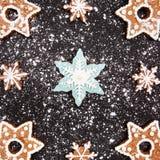 Año Nuevo y pan de jengibre de la Navidad Imagen de archivo libre de regalías