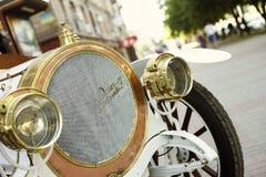 Año retro 1907 de Delaunay Belleville del coche del vintage hermoso Imagenes de archivo