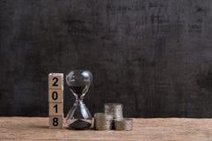 Año 2018 tiempo financiero o de la inversión o concepto de las metas con hou Imagen de archivo