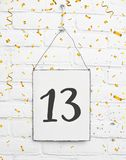 13 años de cumpleaños de la tarjeta de la fiesta con el número trece con el golde Fotografía de archivo libre de regalías