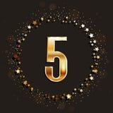 5 años del aniversario de bandera del oro en fondo oscuro Fotografía de archivo