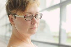 35 años hermosos de la mujer Fotos de archivo