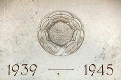Años 1939 a 1945 Los años de Segunda Guerra Mundial tallaron en el ston Foto de archivo