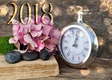 2018 Años Nuevos con el reloj retro Imágenes de archivo libres de regalías