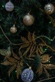 Años Nuevos de decoraciones del árbol Imagenes de archivo