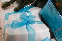 Años Nuevos de decoraciones del árbol Imagen de archivo libre de regalías
