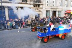 Años Nuevos de desfile del día en Londres. Imagenes de archivo