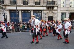 Años Nuevos de desfile del día en Londres. Fotos de archivo