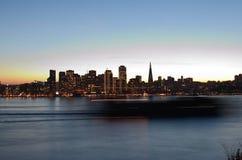 Años Nuevos de Eve City Skyline Imágenes de archivo libres de regalías