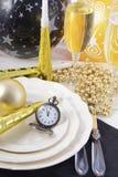 Años Nuevos de Eve Dinner Table Place Setting Fotografía de archivo libre de regalías