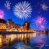 Años Nuevos de exhibición del fuego artificial en Gdansk Imagen de archivo