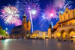 Años Nuevos de exhibición del fuego artificial en Kraków Fotografía de archivo libre de regalías