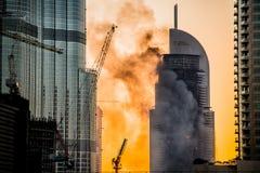 Años Nuevos de fuego en Dubai Imagenes de archivo