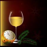 Años Nuevos de tarjeta, vidrio de champán y horas Imagen de archivo libre de regalías