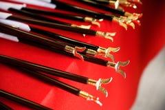 Años Nuevos japoneses de flechas hechas muescas en ceremoniales Imagenes de archivo