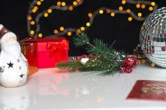 Años Nuevos y deco de la Navidad Imágenes de archivo libres de regalías