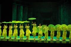 Años- verdes en segundo lugar de acto de los eventos del drama-Shawan de la danza del pasado Imagen de archivo libre de regalías