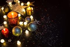 Aún-vida brillante de las decoraciones de la Navidad Fotos de archivo libres de regalías