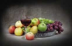 Aún-vida clásica con la fruta Imagen de archivo