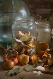 Aún-vida con agáricos anaranjados Foto de archivo libre de regalías