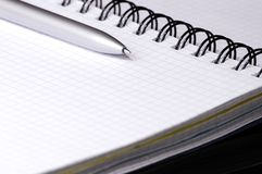 Aún-vida con el cuaderno. Foto de archivo libre de regalías