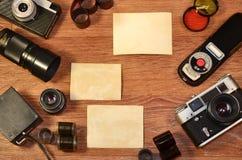 Aún-vida con el equipo viejo de la fotografía Imágenes de archivo libres de regalías