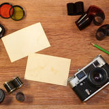 Aún-vida con el equipo viejo de la fotografía Fotografía de archivo