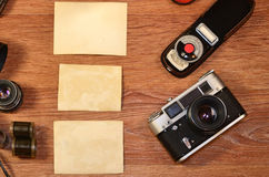 Aún-vida con el equipo viejo de la fotografía Imagenes de archivo