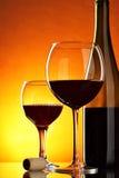 Aún-vida con el vino rojo Fotos de archivo