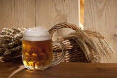 Aún-vida con la cerveza Imágenes de archivo libres de regalías