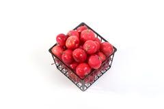 Aún-vida con las pequeñas manzanas rojas frescas Foto de archivo